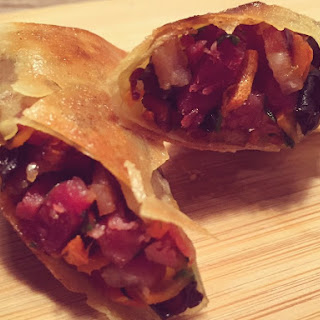 Unbelievably tasty Chinese spring rolls with bacon fillings