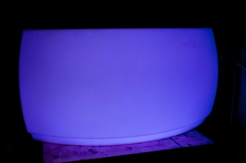 Vondom Toog huren - gebogen - met LED-verlicht
