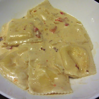 Cream Sauce With Cheese And Roasted Peppers