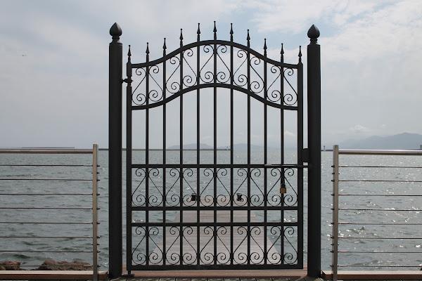La porta sul mare di luise