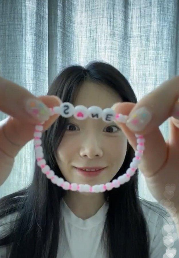 taeyeon bracelet fan 6