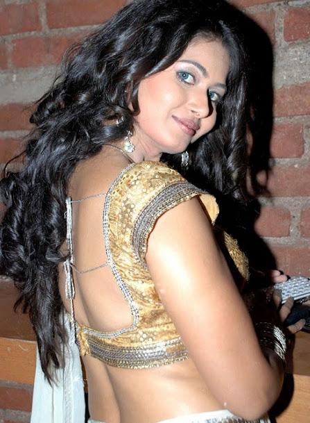 Actress Divyaa Dwivedi