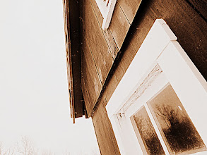 Photo: Old-fashioned, sepia photo of a barn at Carriage Hill Metropark in Dayton, Ohio.