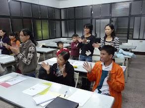 Photo: 20111201頭屋行動教室-外配識字班001