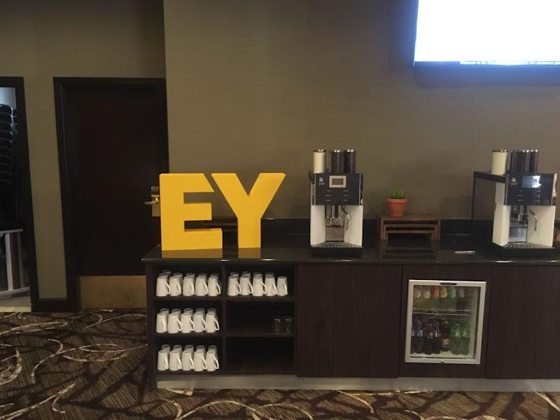3D letters & logo's uit EPS en XPS - 3D letters EY