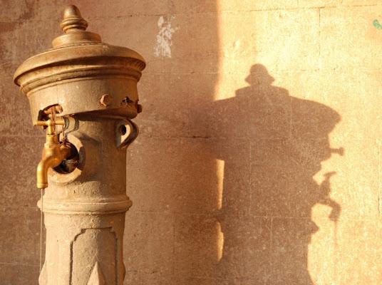 L'ombra della fontanella di poling1971