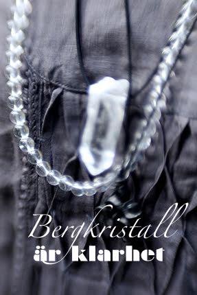 Kristallsmycken och kristallhalsband