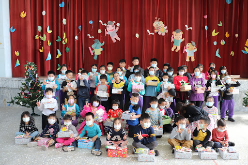 金尹傳愛聖誕鞋盒