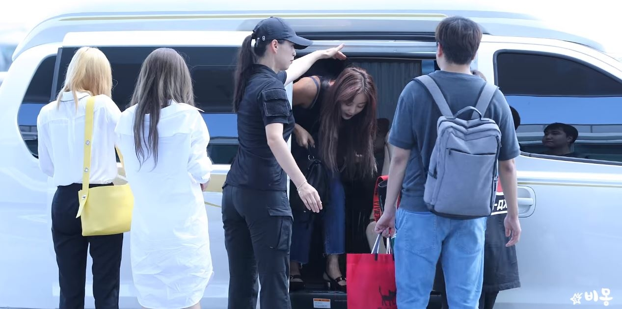 twice female bodyguard1