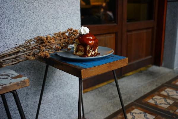 鹹花生Salt Peanuts x魔王 台北大同區 迪化街老宅裡的手作甜點店 招牌肉桂卷令人回味 捷運大橋頭站 內文有店家資訊
