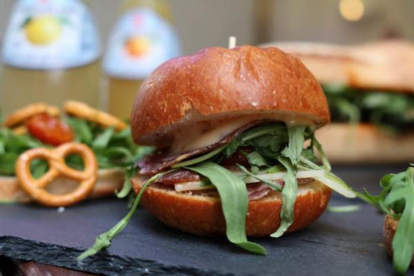 Self Serve義式三明治巷仔內的正統義式帕尼尼Panini三明治,新美街特色美食,近赤崁樓,可外送,文內附完整菜單