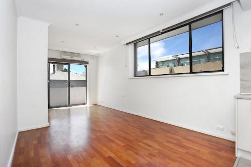Photo of property at 7/2 Lyndhurst Street, Richmond 3121