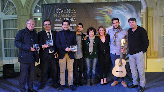 Diputados provinciales, director y productor y artistas.