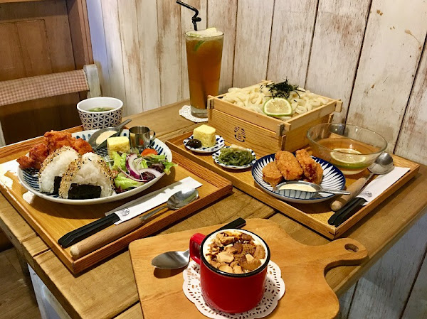 A day 日日村_永和仁愛公園文青復古食堂_噴汁唐揚炸雞讓人情不自禁的吮指回味