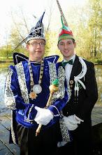 Photo: De leutkikkers.Prins Karper en Adjudant Guppie