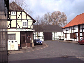 Photo: 2003 - Auf dem Plane, Ecke Sportplatzstraße Links die Lohenschänke