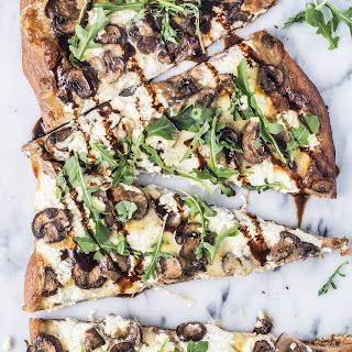 Caramelized Mushrooms Arugula Pizza.