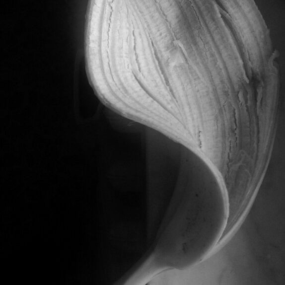 Oltre l'apparenza ( buccia di banana) di Giuliana