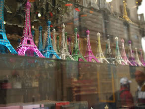 Photo: All the colors of the Eiffeltower.