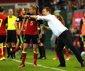 Red Flames makkelijk voorbij Rusland, bondscoach reageert