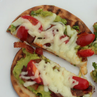Grilled Bacon Guacamole Pizza