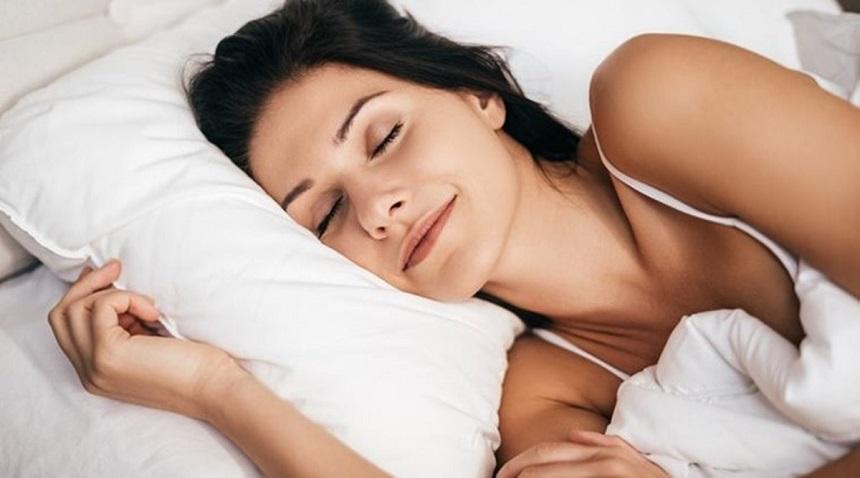 Tắm nước nóng giúp ngủ ngon hơn
