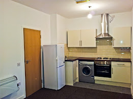 18 Moira Street, Flat 3 (2 Bed - NO DSS) Including Water