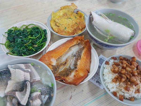湯頭鮮甜,食材新鮮,是很有自己風味的道地小吃,價格平實,值得來品嚐!