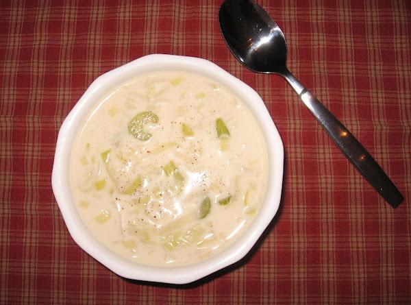 Low-carb Creamy Leek Soup Recipe