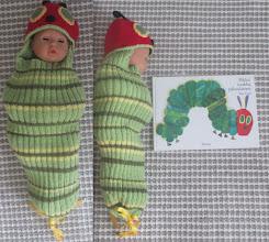 Photo: Toukkapussi eli villakapalo Sussun vauvalle
