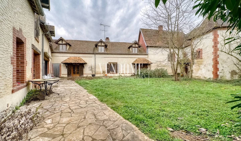 Maison avec terrasse Cherisy