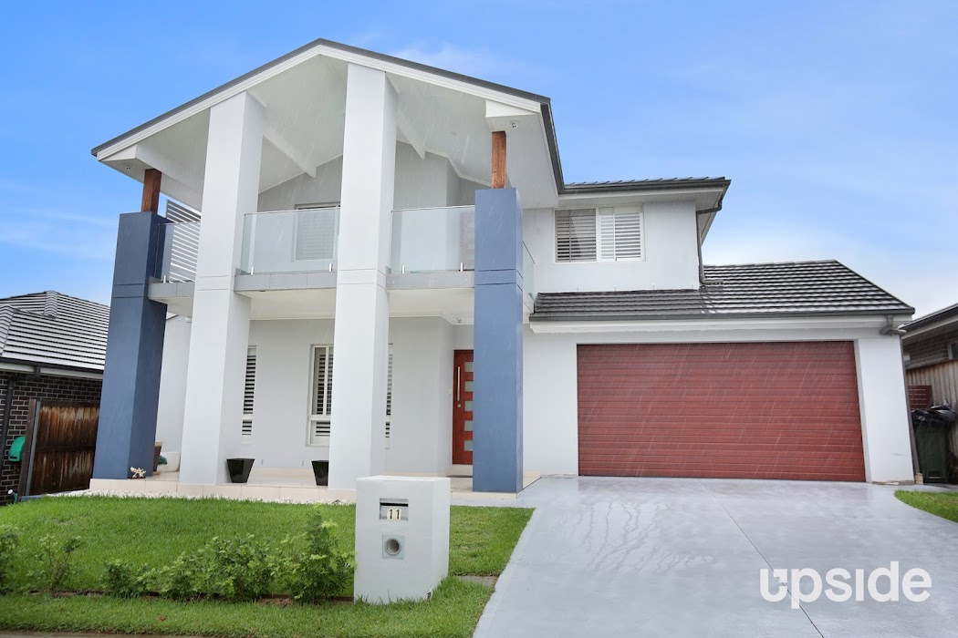 Main photo of property at 11 Walseley Crescent, Gledswood Hills 2557
