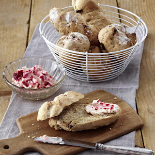 Raspberry and Cream Cheese Spread