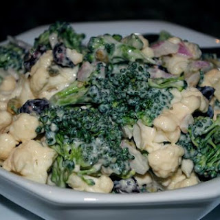Sweet and Crunchy Cruciferous Veggie Salad With Cauliflower and Broccoli