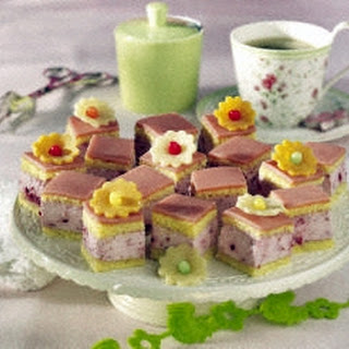 Oster-Petit Fours
