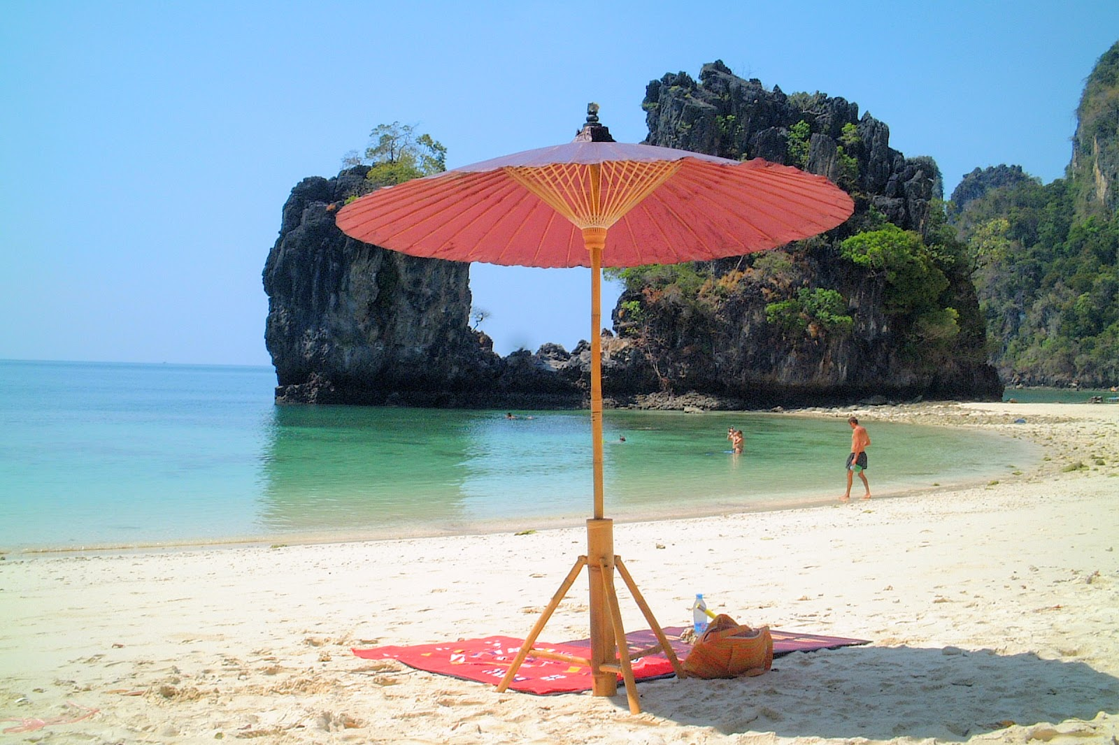 Hong Island Deluxe Tour by Longtail Boat from Krabi