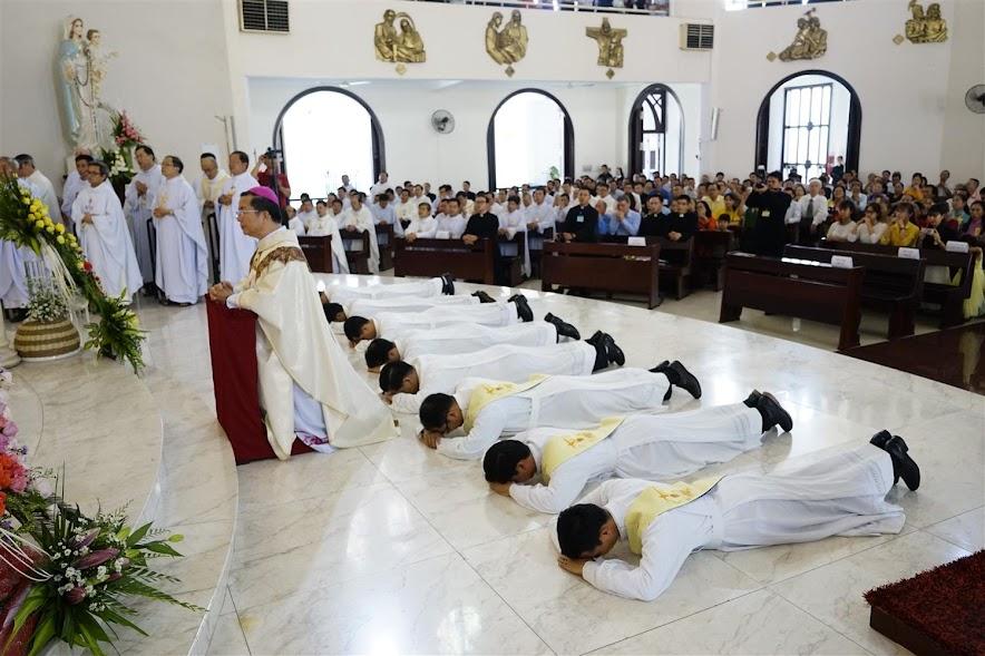 Dòng Ngôi Lời: Thánh Lễ Truyền Chức Linh Mục & Phó Tế - Ảnh minh hoạ 17