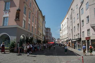 Photo: Wszędzie tłumy mieszkańców w tradycyjnych bawarskich strojach. Z otrzymanej broszurki dowiedziałem się, że właśnie odbywa się największy festiwal folklorystyczny w Bawarii.