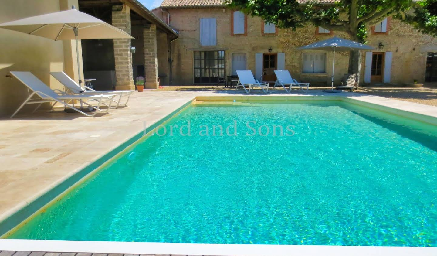 Property with pool Sablet