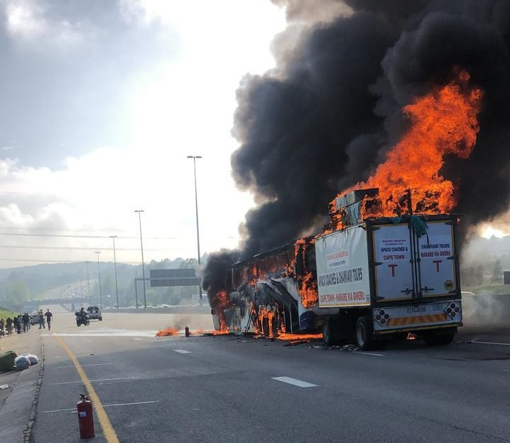 Bus with passengers catches fire on N1 north in Johannesburg - TimesLIVE