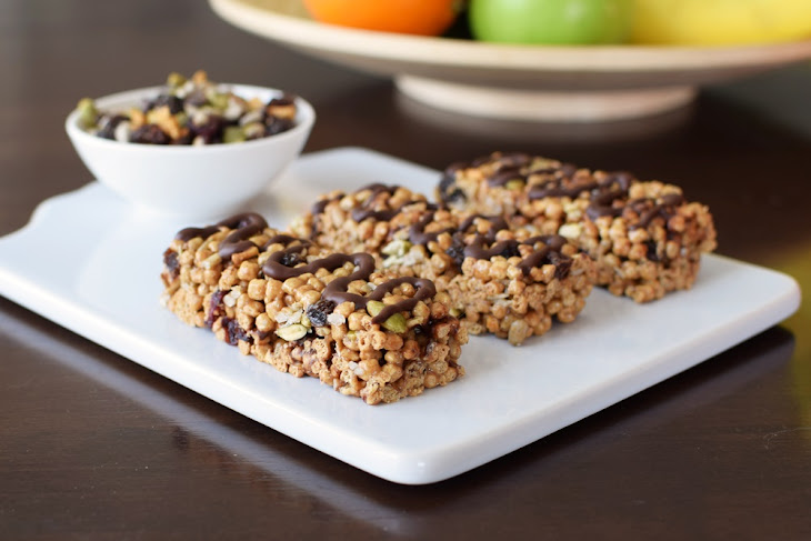Chewy Trail Mix Cereal Bars Recipe | Yummly