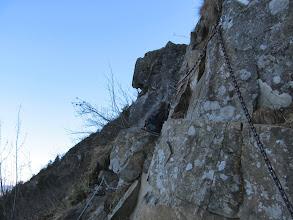 Photo: 15.Akademicka Perć - kolejny trawers przy skałach.