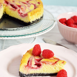White Chocolate Raspberry Cheesecake (with Raspberry Sauce)