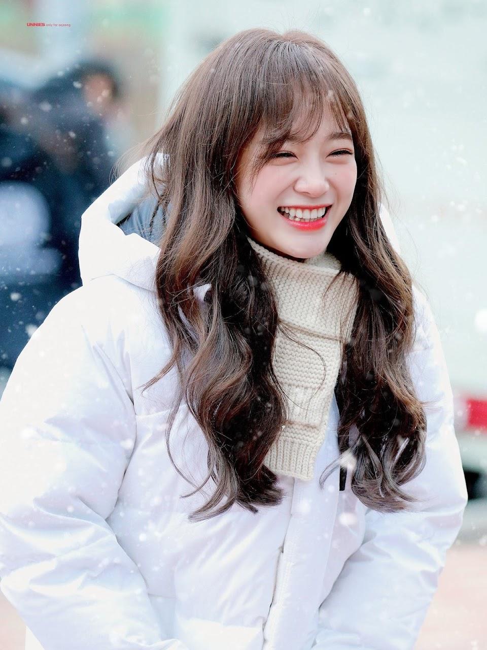 Kim.Sejeong.full.207281