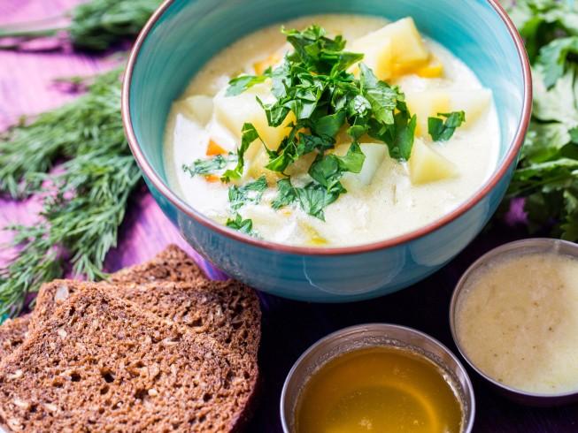 Creamy Slow Cooker Potato Leek Soup Recipe | Yummly