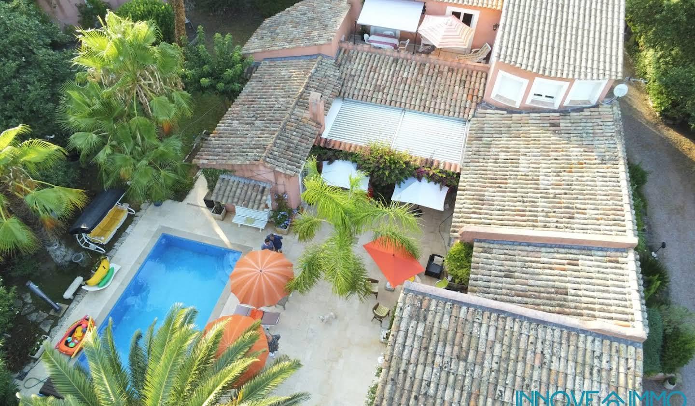 Villa avec piscine et terrasse Frejus