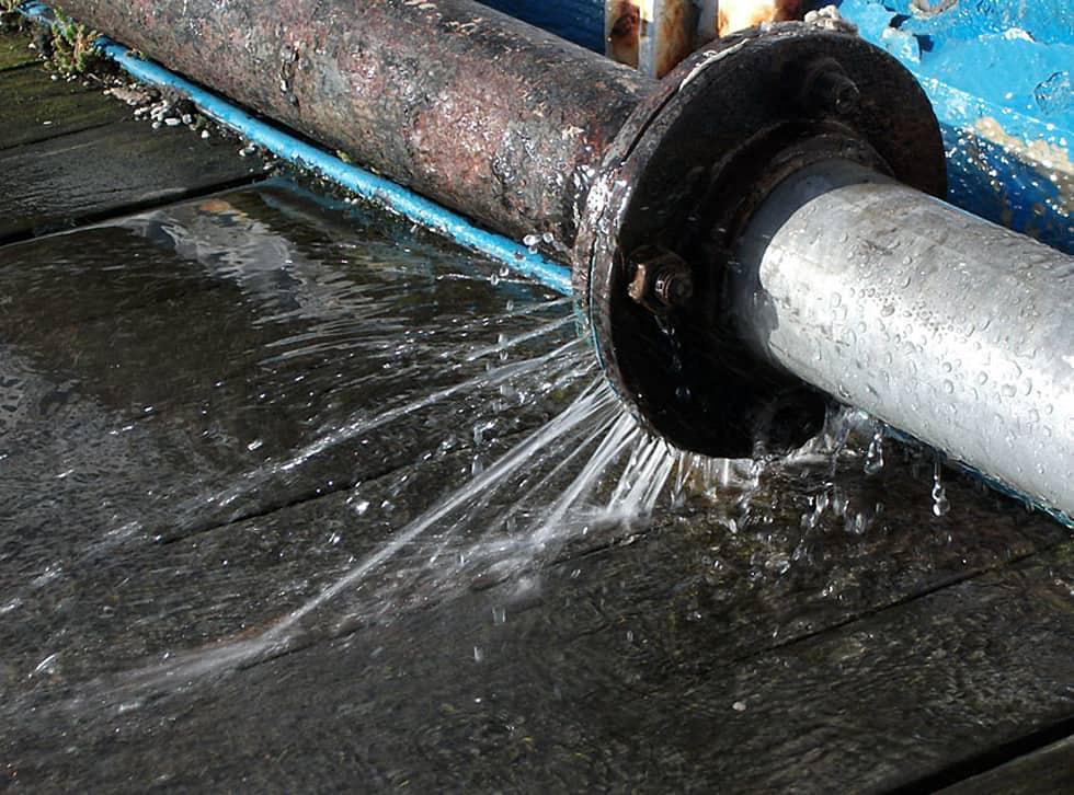 Tìm hiểu các nguyên nhân sửa chữa đường ống nước bị rò rỉ
