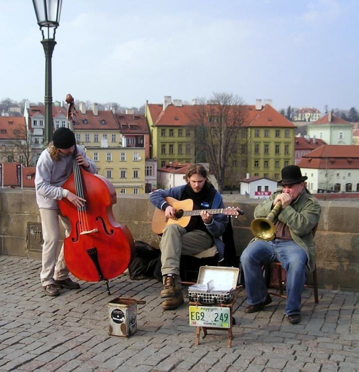 55 musica......artisti di strada di roxelle