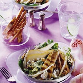 Weight Watchers Grilled Chicken Salad with Pears and Gorgonzola