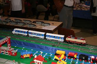 Photo: Un train allemand construit par Christian devant le pupitre de la LGL.